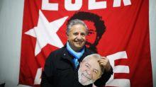 """El expresidente argentino Duhalde dice que la dignidad de Lula """"no se negocia"""""""