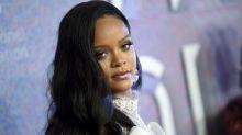 Rihanna demanda a su papá