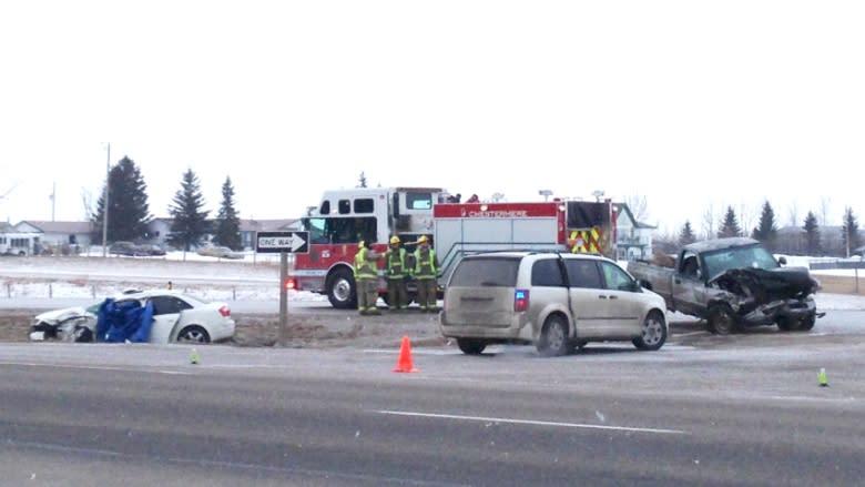 Alberta highway crashes kill 2, send others to hospital