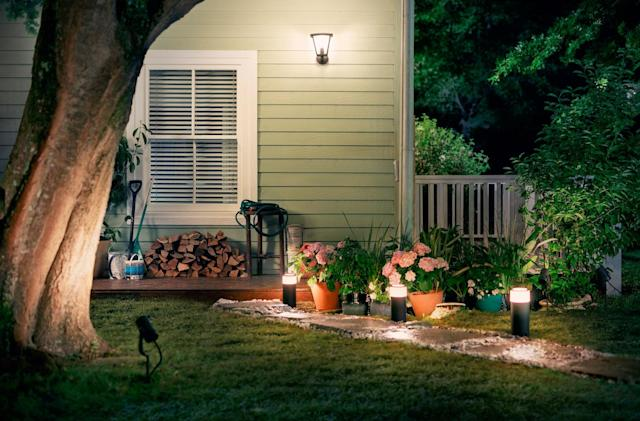 Philips introduces its first outdoor Hue lights (updated)