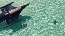 水上飄蝙蝠俠戰車 菲律賓摩托艇有幾飄移?