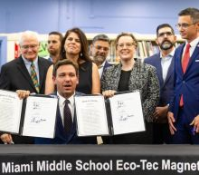 DeSantis signs bill limiting donations to groups pushing constitutional amendments