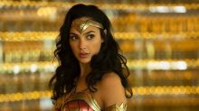 First 'Wonder Woman 1984' Footage Shows Adorable Moment With Little Girl