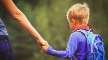 """""""Mio figlio meglio sporco di pipì che vestito di rosa"""". La lettera shock di una mamma all'asilo"""