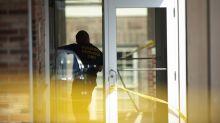 Police kill gunman who shot 4 in Pennsylvania court lobby