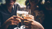 Oubliez vos petits chouchous : voici les vins tendance que vous devriez déguster à la place