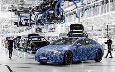 雙B電動車大戰,BMW占了上鋒,賓士進度落後本周火速宣布到2022年將推出6部純電動車