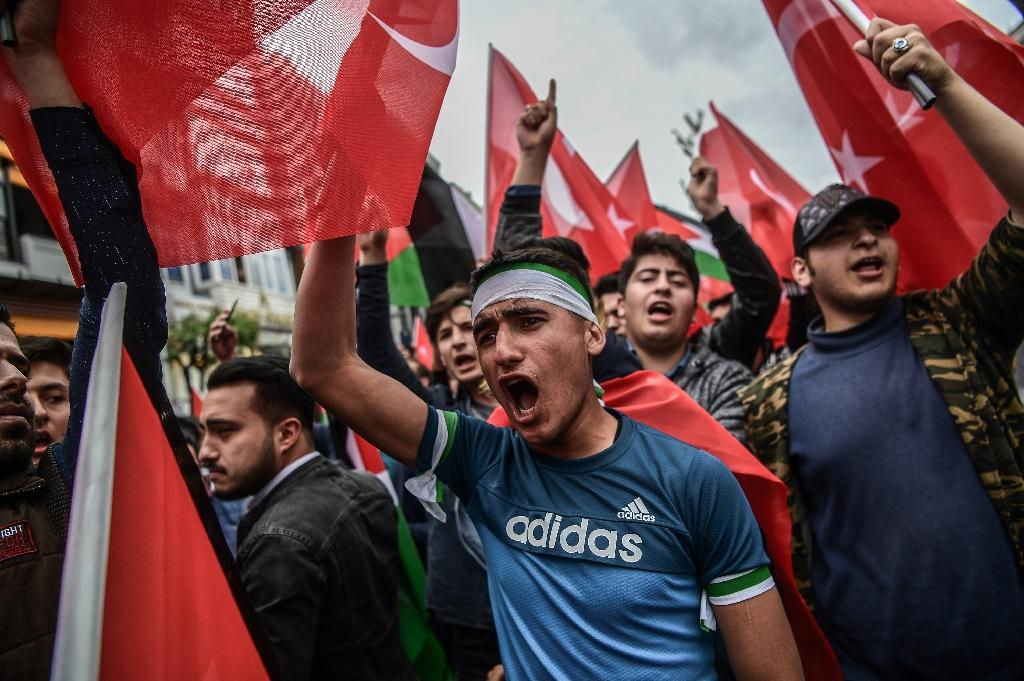 """Thousands protested in Istanbul as the US moved its embassy from Tel Aviv to Jerusalem and Turkey accused the United States of sharing responsibility with Israel for a """"vile massacre"""" along the Gaza border in which 52 Palestinians were killed (AFP Photo/OZAN KOSE)"""