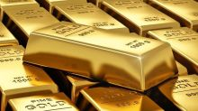 Gold Consolidates Forming Bear Flag Pattern