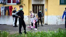 Coronavirus : l'Italie renforce les restrictions après un nombre record de nouveau cas