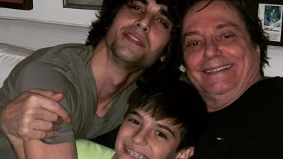 Fábio Jr. reúne os meninos: 'Papis feliz'