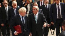"""Johnson y Juncker acuerdan """"intensificar"""" las conversaciones del Brexit"""