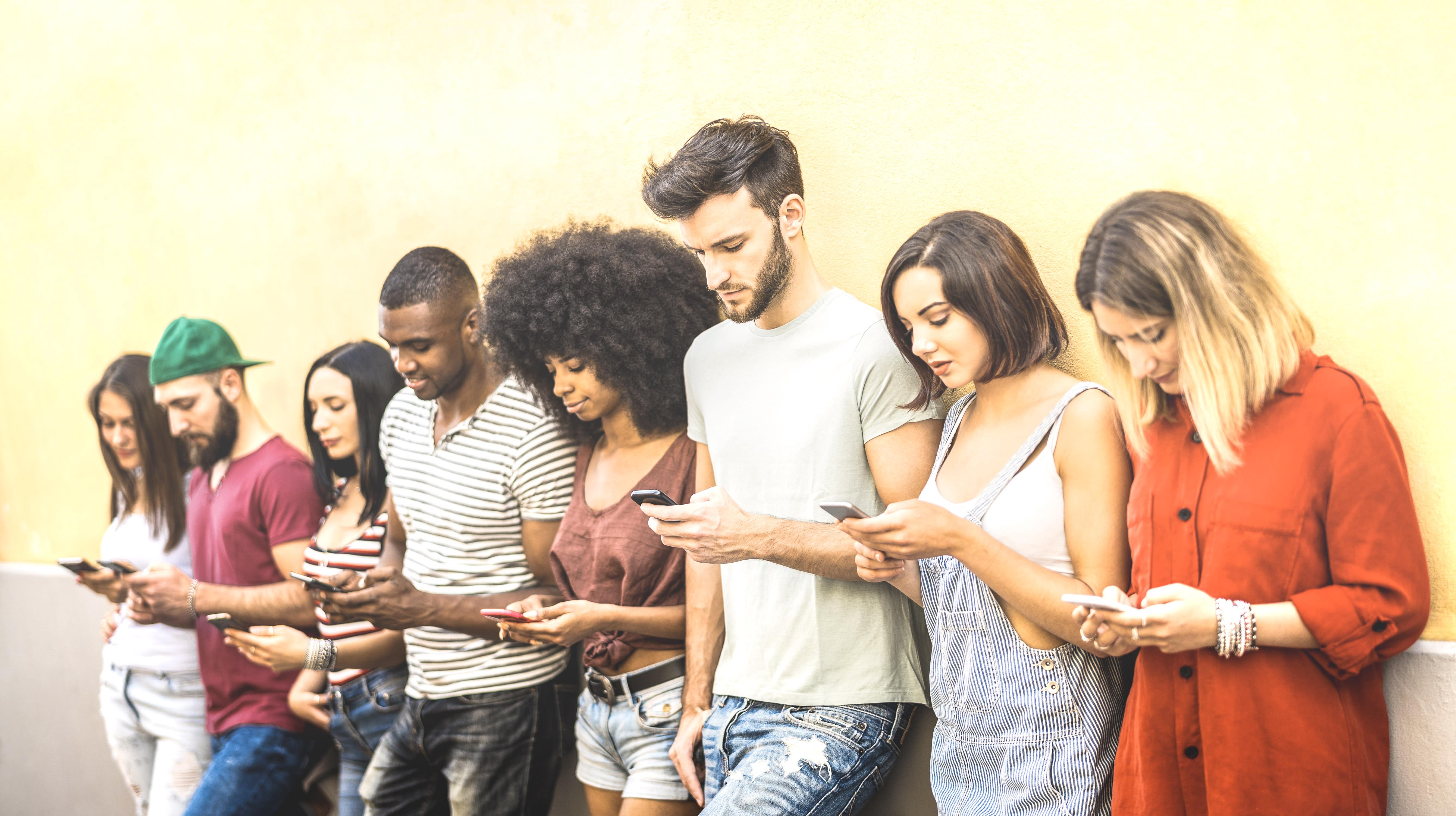 Cenário atual facilita que jovens realizem suas 'revoluções particulares', diz especialista