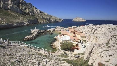 Marseille : en pleine partie de pêche, il tente de noyer sa mère