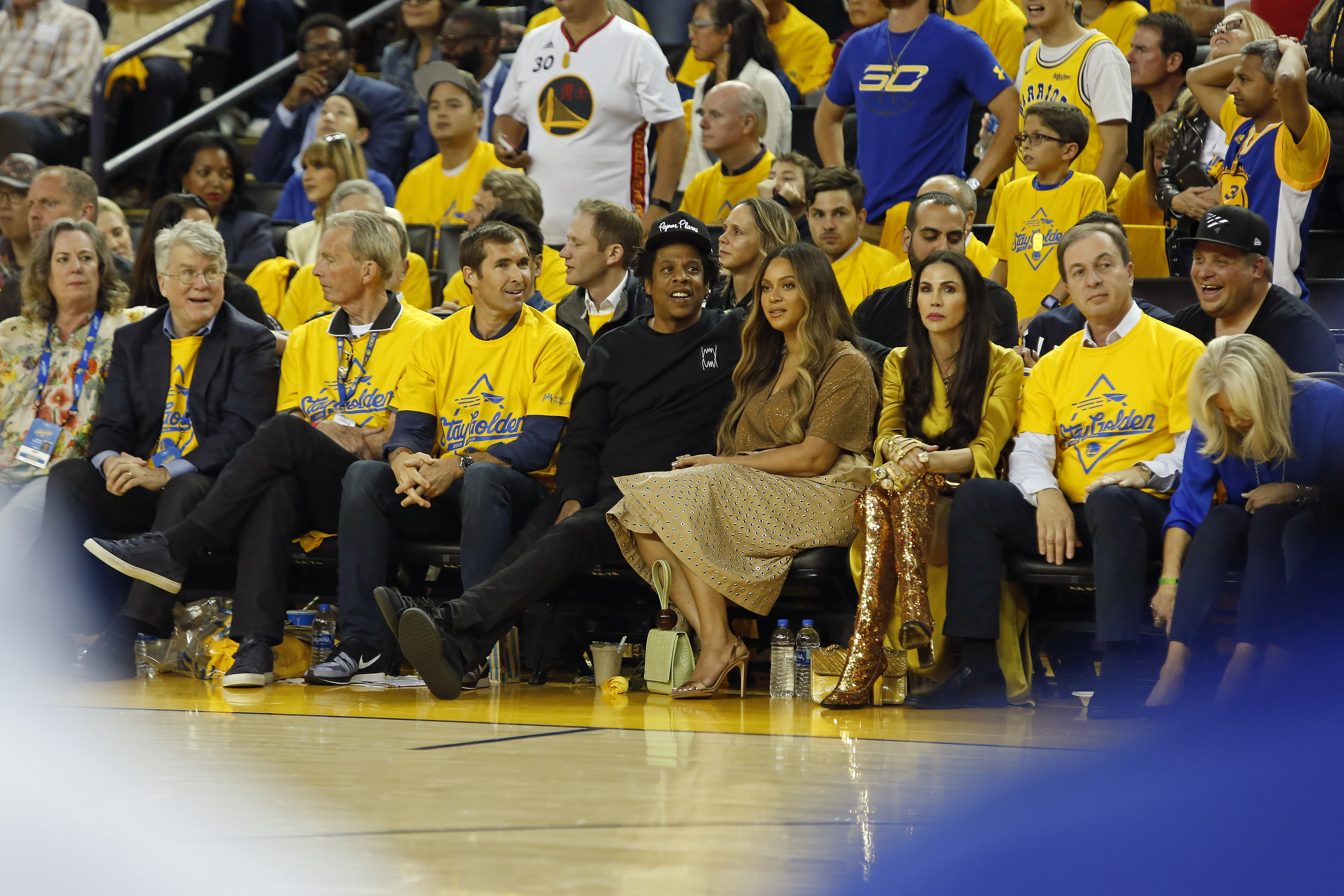 Beyonce Shoulder Bumps Warriors Owner Wife For Talking To