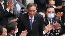 Abe ya tiene sustituto: Yoshihide Suga, elegido primer ministro de Japón
