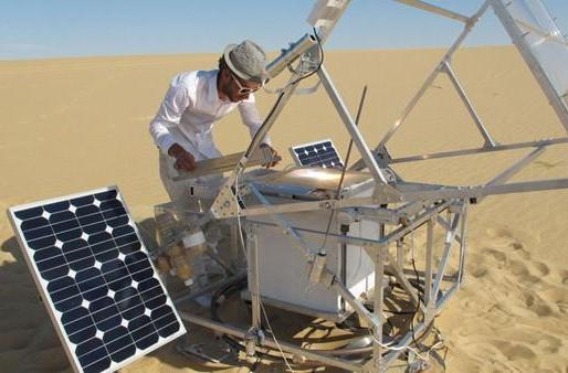Solar Sinter solar-powered 3D printer turns sand into glass, renews our faith in higher education (video)