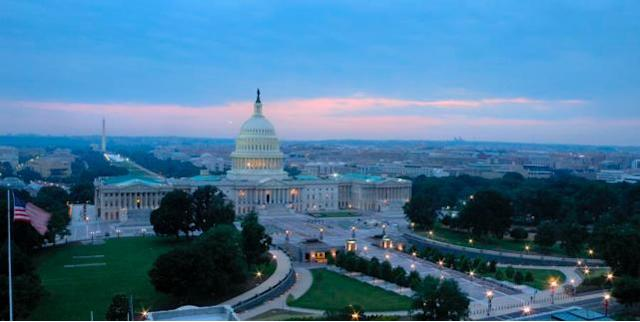 Apple cozies up to U.S. government with increased lobbying