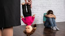 """""""Pegar a los niños es abuso"""": qué hacer cuando vemos a otros padres maltratar a sus hijos"""