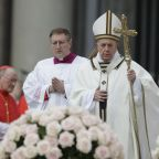 Pope celebrates Easter Sunday amid bloodshed in Sri Lanka
