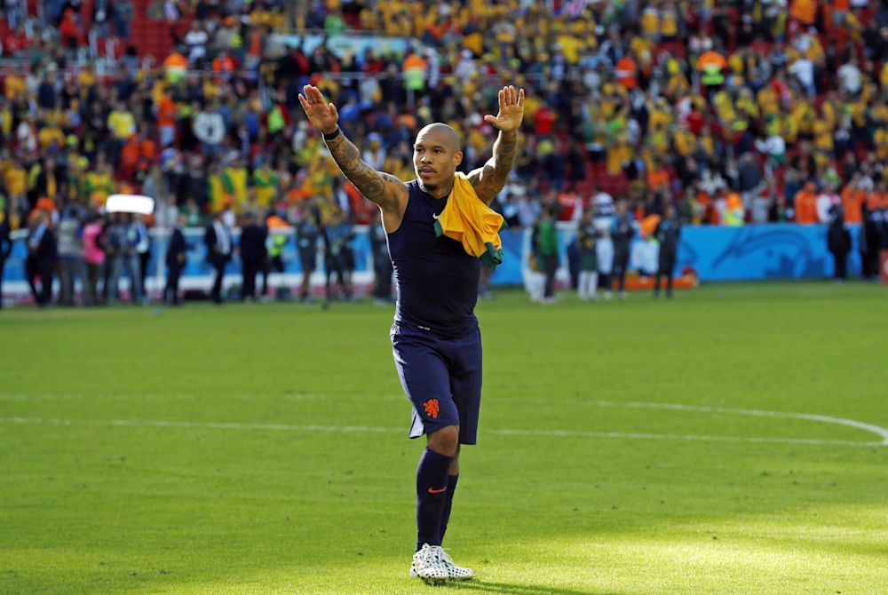 De Jong shines in gritty Dutch win over Australia