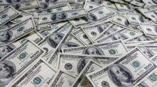 Dólar sube mientras operadores esperan dato del PIB de EEUU en primer trimestre