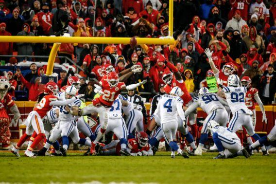 The shortest miss of Adam Vinatieris career was fitting way to end Colts miserable first half