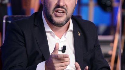 """Una manina sulla Sugar Tax. Salvini: """"Non era sul tavolo, non si tassano i consumi"""""""