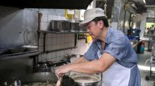 HK star's viral post drives hordes to this Ipoh stall for fried chicken