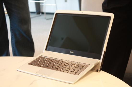 Dell Adamo XPS opens up for Windows 7 festivities, but still not for sale