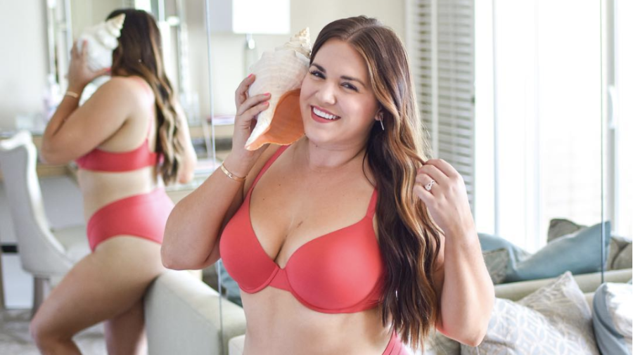 'This is the real me': Why one blogger's lingerie photo is going viral