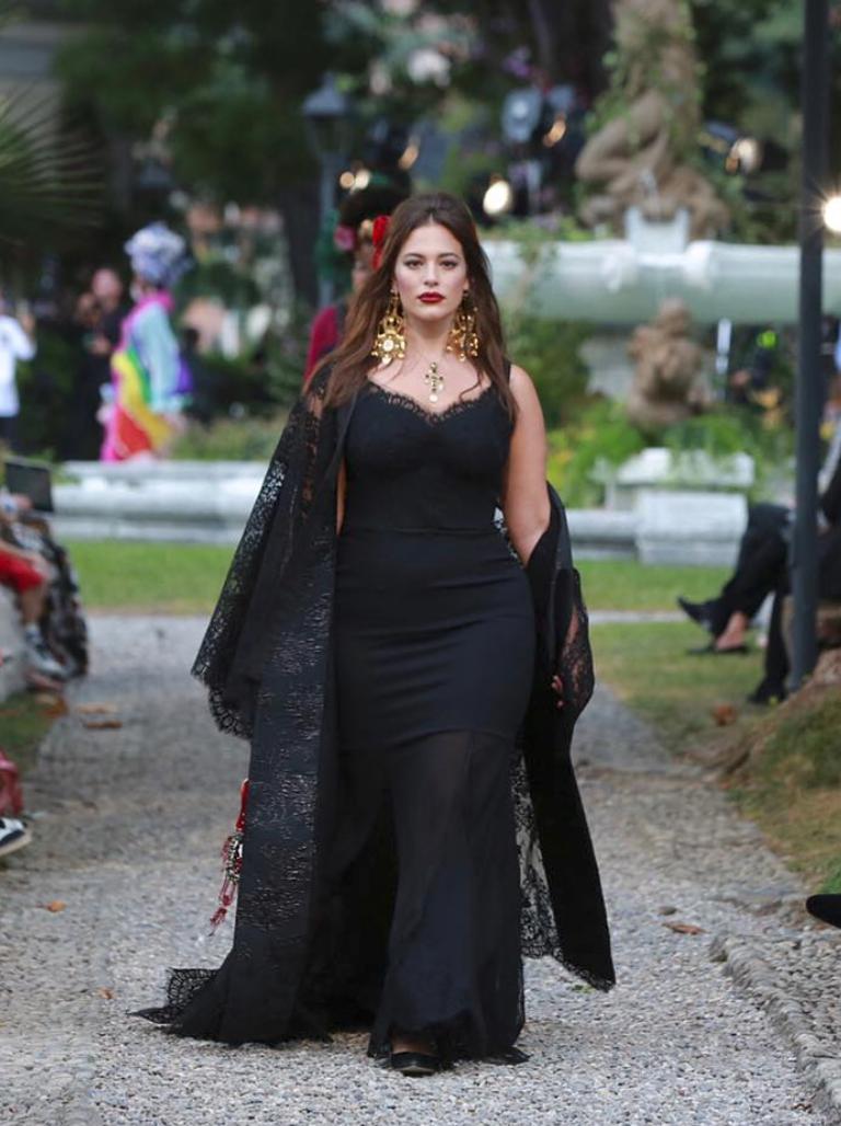 dcdf9ac31 Ashley Graham (Photo  Instagram courtesy Dolce   Gabbana)