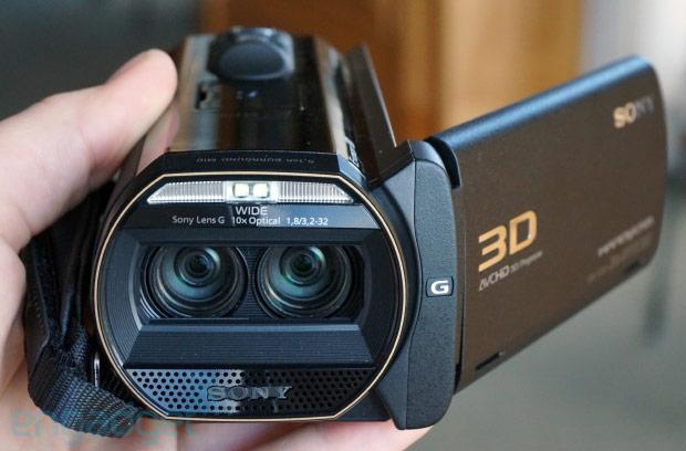 Sony Handycam TD30V delivers premium feel, 3D shooting for less than a grand (hands-on)