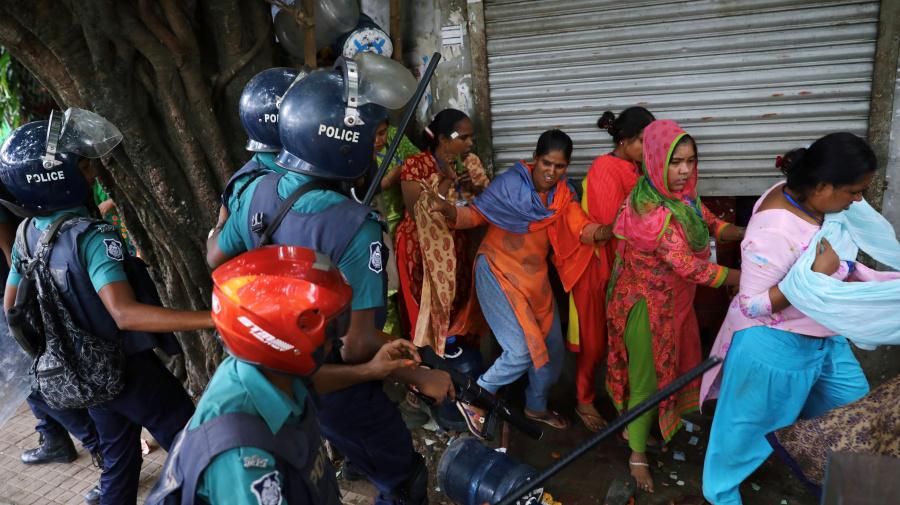 13 fotos que muestran la lucha de los trabajadores textiles de Bangladés por sus derechos