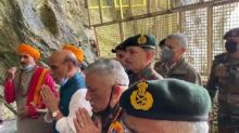 Defence Minister Rajnath Singh Offers Prayers at Amarnath Temple