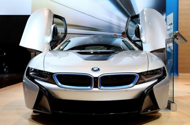 AutoExpress: BMW's futuristic hybrid is getting an engine upgrade