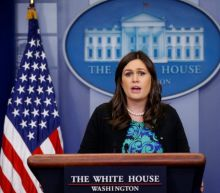 Sarah Sanders tweet about being kicked out of restaurant violates law, former White House ethics chief says