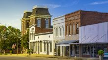 Five U.S. towns compete for $500k on 'Small Business Revolution'