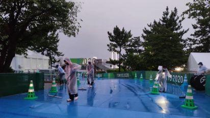 La prueba femenina se retrasa por aguaceros en Tokio