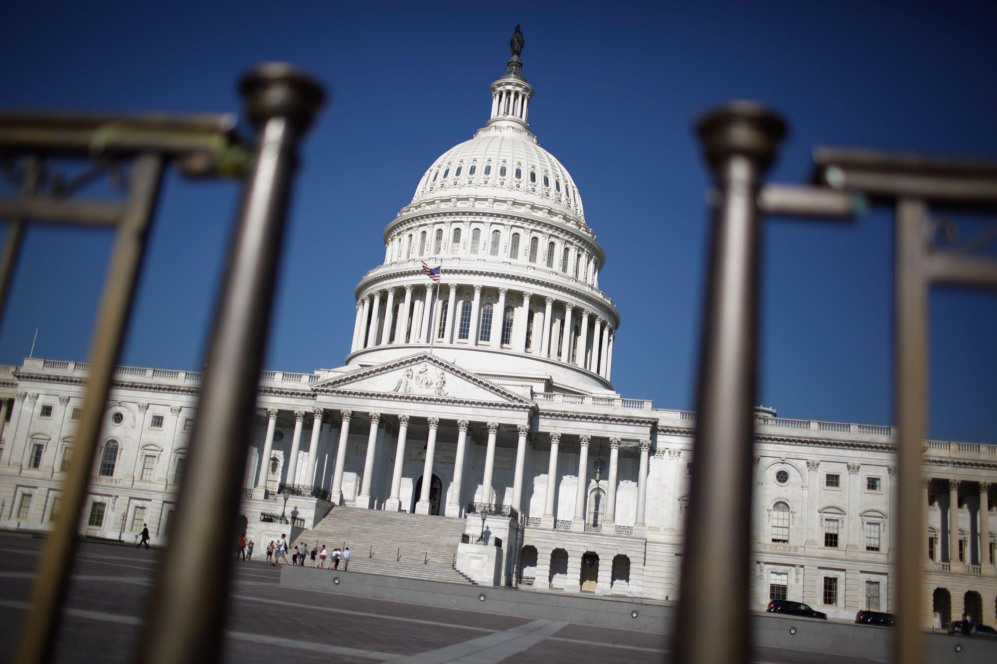 Extend contractor reimbursement period, trade groups urge Congress