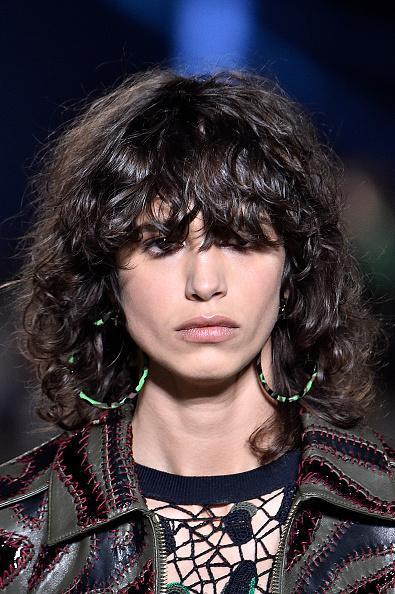 11 Hairstyles That Give You An Instant Facelift