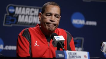 Houston coach weighs in on families at tourney