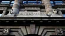 México asigna 23% de oferta en subastas de coberturas cambiarias ante caída del peso