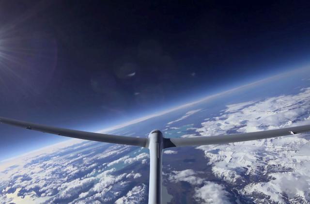 Perlan glider sets altitude record for unpowered flight