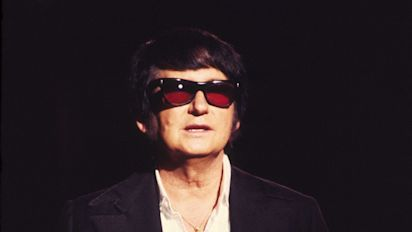 Roy Orbison returns to the stage - 30 years after his death