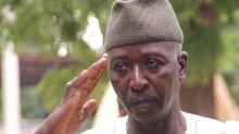 Bah Ndaw, un civil particulièrement marqué par une carrière dans l'armée, nommé président du Mali