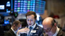 Wall Street marque une pause dans sa course aux records et ouvre en baisse