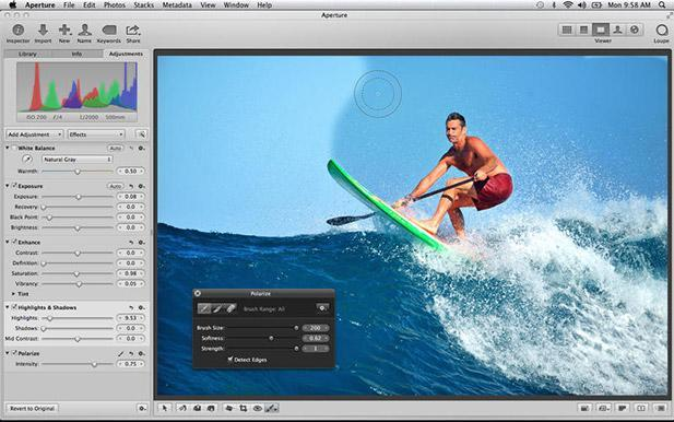 Aperture 3.5 supports iCloud Photo Sharing, uses Apple Maps for Places