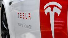 Canada: il s'endort au volant de sa Tesla roulant à 150km/h et se fait flasher