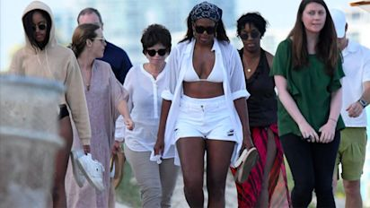 Michelle Obama's beach look stirs controversy